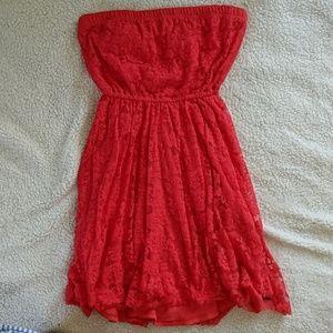 Lace strapless Hollister dress